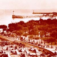 Le front de mer et la jetée du port